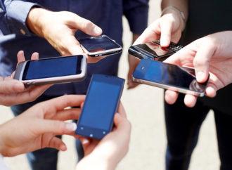 Compra de dispositivos móviles presenta importantes alzas en comparación a 2019