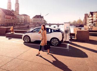 ABB presenta el primer cargador para autos eléctricos de Neuquén