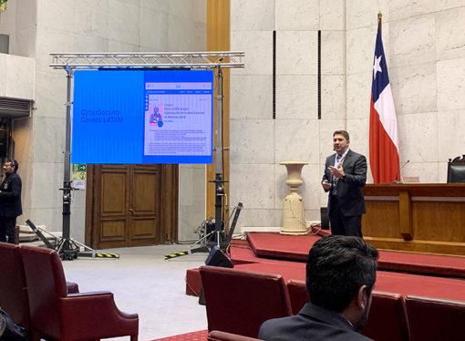 Experto llama a las autoridades durante Seminario de Ciberseguridad de Chile