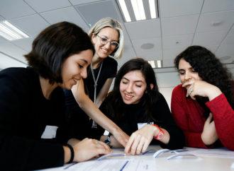 J. P. Morgan y Chicas en Tecnología se unen para romper barreras